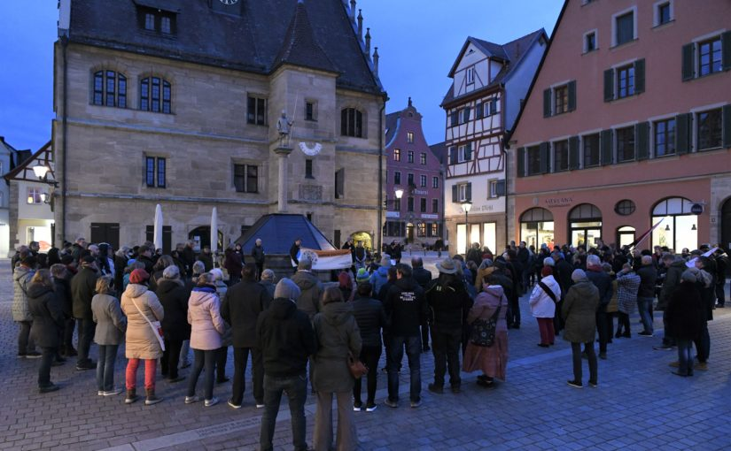 Weißenburg: 200 Menschen gedachten den Opfern von Hanau